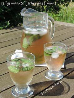 s via mail te ontvangen. Je krijgt dan via é Refreshing Drinks, Summer Drinks, Cocktail Drinks, Summer Fun, Smoothie Fruit, Smoothie Drinks, Healthy Drinks, Healthy Recipes, Good Food