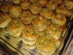 Maryam's Kookblog: Vogelnestjes A Food, Food And Drink, Lemon Bars, Middle Eastern Recipes, High Tea, Eid, Biscuits, Gluten Free, Sweets