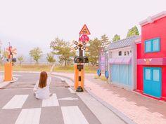 韓国はフォトジェニックなスポットの宝庫ですよね。韓国旅行に行ったら可愛い写真を撮るのも女子にとっては一つの目的ではないでしょうか。今回は、「曽坪自転車公園」というミニチュアサイズでできた絵本のような世界を紹介したいと思います。