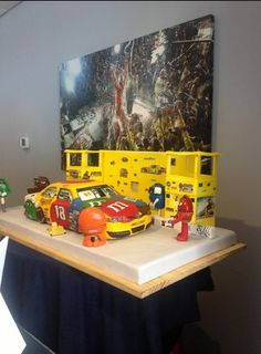 Great Kyle Busch Birthday Cake for the team at Richmond... from Twitter