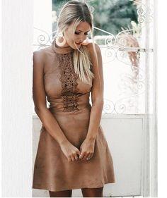 Vestido em suede frente única com detalhe em renda - Emilia Bernardo Moda e Tendência