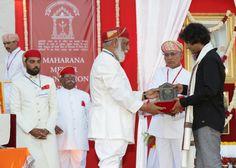 Shriji Arvind Singh Mewar of Udaipur, Chairman and Managing Trustee, Maharana of Mewar Charitable Foundation (MMCF) presenting Maharana Sajjan Singh Award to Mr. Akash Choyal  Venue: The Manek Chowk, The City Palace, Udaipur  Know more about awards - http://www.eternalmewar.in/collaboration/awards/index.aspx  #MMFAA2016 #MMFAA #MMCF #Awards #MaharanaOfMewarCharitableFoundation #MaharanaMewarFoundationAnnualAwards #UdaipurAwards #EternalMewar #Mewar #Udaipur #Rajasthan #India