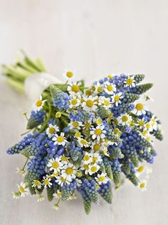 http://www.planyourperfectwedding.com/flowers/gallery/prettiest-wedding-bouquets