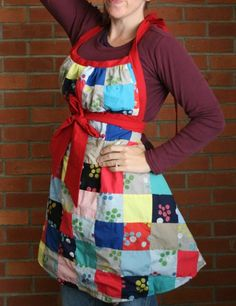 This would be a cute way to wear matching aprons at the shower....