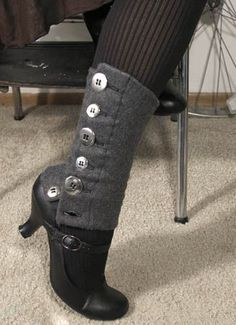 Tutorial: Easy Buttoned Legwarmers - Learn how to make a spat-style leg warmer – perfect for Steampunk and Halloween costumes. Steampunk Cosplay, Steampunk Clothing, Steampunk Fashion, Steampunk Makeup, Steampunk Bedroom, Steampunk Drawing, Steampunk Furniture, Steampunk Gadgets, Slippers