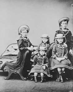 The children of the Prince and Princess of Wales, Osborne 1874 [in Portraits of Royal Children Vol.19 1874-75] | Royal Collection Trust
