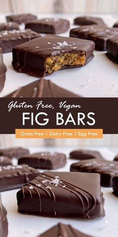 These healthy Vegan fig bars are made with dried figs and hazelnuts and coated in dark chocolate. Basically a healthy candy bar - tastes great and is actually good for you! These easy fig bars are also Paleo and no bake. #figbars #figs #cleaneating #candybar #paleo #vegan Healthy Candy, Healthy Vegan Desserts, Paleo Vegan, Healthy Dessert Recipes, Vegan Baking, Healthy Baking, Healthy Treats, Easy To Make Desserts, No Bake Desserts