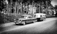 This beautiful Cadillac with matching trailer Tiny Trailers, Camper Trailers, Campers, Cast Iron Charcoal Grill, Cadillac, Rv Pictures, Vintage Caravans, Frozen In Time, Camper Life