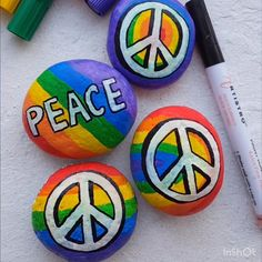Learn to paint vibrant painted rocks for World Peace Day with Artistro paint pens! Learn to paint vibrant painted rocks for World Peace Day with Artistro paint pens! Rock Painting Ideas Easy, Rock Painting Designs, Paint Designs, Rock Painting Ideas For Kids, Pebble Painting, Pebble Art, Stone Painting, Body Painting, Stone Crafts