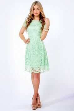 Love this color! Dunno why mint green screams VINTAGE but it totally does. (Pinned by Saima Sakik)