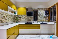 Kitchen Room Design, Kitchen Cabinet Design, Modern Kitchen Design, Modern Kitchen Interiors, Modern Kitchen Cabinets, Small House Interior Design, Interior Design Kitchen, House Design, Kitchen Cabinets Color Combination