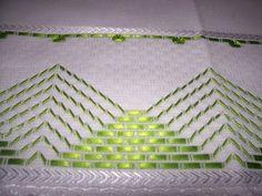 ♥centro de mesa bordado en cinta verde