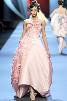 Christian Dior Spring 2011 Couture Collection Slideshow on Style.com