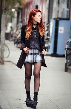 Fashion grunge le happy New ideas Mode Outfits, Grunge Outfits, Grunge Fashion, Look Fashion, Stylish Outfits, Fashion Outfits, Womens Fashion, Trendy Fashion, Rock Style