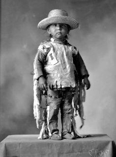 Cree boy - circa 1900༺ ♠ ༻*ŦƶȠ*༺ ♠ ༻