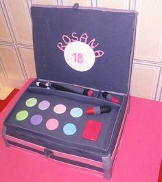 Tarta caja de maquillaje #makeup case cake by dulcemelcocha