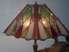 lampara de cuatro caras realizada en vidrio y lineas de plomo