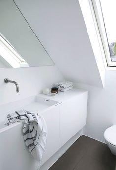 Inconceivable Attic bedroom air conditioner,Attic bathroom tiles and attic storage. Bathroom Niche, Loft Bathroom, Rustic Bathroom Vanities, Bathroom Toilets, Bathroom Layout, Attic House, Attic Rooms, Attic Spaces, Attic Renovation