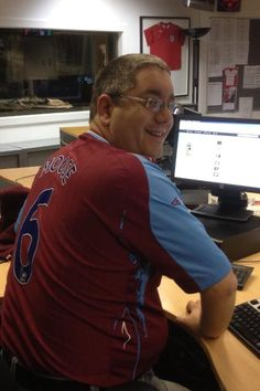 If your supporting wear your shirt to work day in aid of the Bobby Moore Cancer Fund, send me a pic and I may RT it pic.twitter.com/Kwsk3RA5oJ