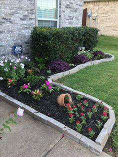 Garden Edging, Garden Beds, Outside Patio, Outdoor Living, Outdoor Decor, Flower Beds, Beautiful Gardens, Container Gardening, Outdoor Gardens