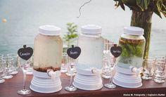 Águas saborizadas. #casarnapraia #buzios #wedding #casamento #drinks