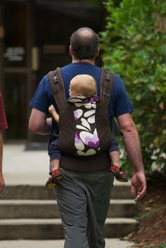 Kinderpack soft structured carrier. Supposed to be great for back carries.