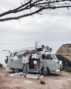 Since the weather is rather cold and dull at the moment, we are dreaming of road tripping through Portugal in an old VW bus like Vw T3 Westfalia, Kombi Motorhome, Vw Camping, Camping Hacks, Luxury Camping, Beach Camping, Camping Activities, Camping Signs, Camping Packing
