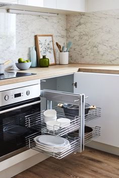 Simply scandi kitchen gallery from Kaboodle Australia. Available at Bunnings. New Kitchen Cabinets, Kitchen Redo, Kitchen Pantry, Kitchen Remodel, Kitchen Gallery, Splashback, Home Reno, Building Design, Kitchen Inspiration