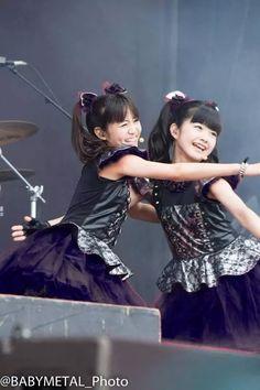 水野由結・菊地最愛 | Moa Kikuchi and Yui Mizuno #BABYMETAL