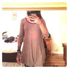 Free People sweater A perfect loose sweater. Great to layer for the fall and pair with chunky necklaces or scarves! Make an offer!! Free People Sweaters Crew & Scoop Necks