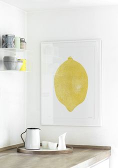Fruit is a trend within interior design. This is a decorative poster of a lemons. It is an easy way to add colours to your home. Giv dit hjem et friskt pust og sommerligt twist med den nye indretningstrend. Unique Home Decor, Cheap Home Decor, Kitchen Posters, Old Home Remodel, Hippie Home Decor, Wonderwall, Fireplace Design, Eclectic Decor, Scandinavian Interior