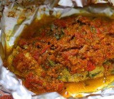 Tilapia Fish Masala This is one recipe you have to try if you are a fish lover. Salmon Curry, Fish Curry, Salmon Dishes, Fish Dishes, Salmon Fish Cakes, Indian Food Recipes, Indian Foods, Roasted Baby Potatoes, Tilapia Fish Recipes