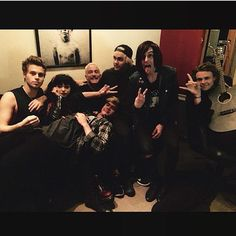   5SOS CALUM HOOD BACK TOGETHER WITH HEY VIOLET NIA LOVELIS !   http://www.boybands.co.uk