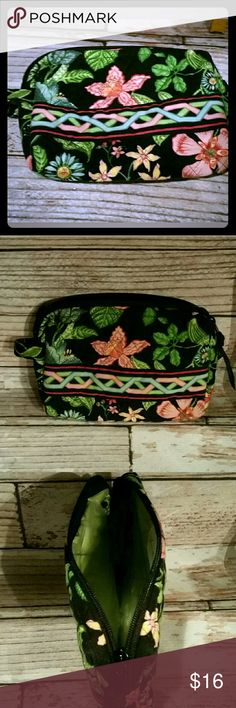 "Vera Bradley Cosmetic Bag Botanica Vera Bradley Small Cosmetic Bag Vinyl Lined in pattern Botanica Measures approximately 7"" x 5.5"" Great pre-owned condition See all pictures as I consider them part of the description Vera Bradley Bags Cosmetic Bags & Cases"