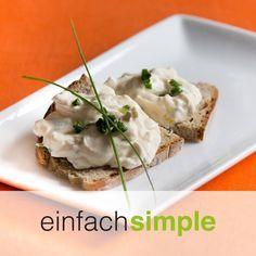 Ei-Gurken Aufstrich www.einfach-simple.at Baked Potato, Potatoes, Baking, Ethnic Recipes, Food, Spreads, Simple, Meal, Patisserie