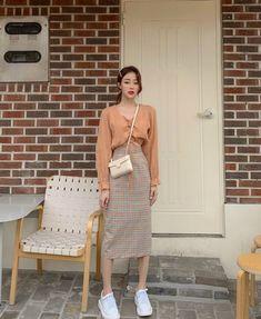 Korean Fashion Tips .Korean Fashion Tips Set Fashion, Look Fashion, Winter Fashion, Fashion Outfits, Fashion Guide, Classy Fashion, Petite Fashion, Fashion Styles, French Fashion