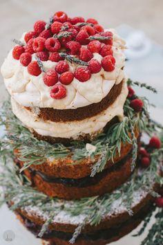 Naked Cake mit Tannengrün Dekoration| Foto: DNAPhotographers