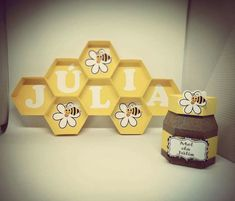 Ideas For Baby Shower Winnie The Pooh Theme Decoration Party Ideas Baby Shower Themes, Baby Shower Decorations, Decoration Party, First Birthday Parties, First Birthdays, Bumble Bee Birthday, Winnie The Pooh Themes, Bee Party, Bee Crafts
