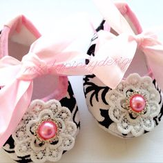 Baby Crib Shoes Pink Baby Lace Rhinestone by mintypinky on Etsy, $12.50