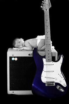 stoere geboortekaartjes voor jongens gitaar   Tadaaz Blog #baby #foto #accent #muziek