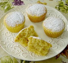 Eierlikör - Buttermilch Muffins, ein schmackhaftes Rezept aus der Kategorie Kuchen. Bewertungen: 15. Durchschnitt: Ø 4,3.