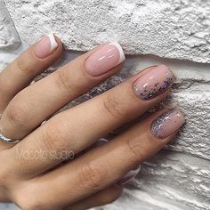 Want some ideas for wedding nail polish designs? This article is a collection of our favorite nail polish designs for your special day. Natural Looking Nails, Natural Nails, Classy Nails, Stylish Nails, Nude Nails, My Nails, Coffin Nails, Acrylic Nails, Nails Ideias