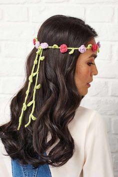 Crochet Flower Headbands, Hippie Headbands, Knitted Flowers, Crochet Crown Pattern, Crochet Flower Patterns, Crochet Ideas, Crochet Hair Accessories, Crochet Hair Styles, Hippie Crochet