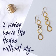 What do you never leave the house without? Let us know in the comments ? Social Media Automation, Social Media Analytics, Social Media Marketing Business, Facebook Marketing, Marketing Automation, Facebook Engagement Posts, Social Media Engagement, Engagement Photos, Social Media Games
