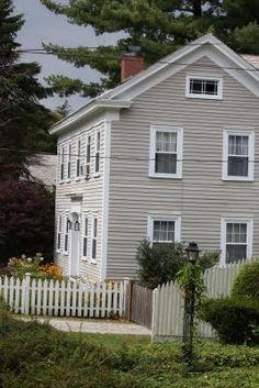 New England house.