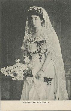 Chic Vintage Bride Princess Margaret in 1905