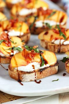 Quick and easy, Honey Ricotta Peach Crostini with Crispy Pancetta recipe is the perfect party appetizer for every occasion. Fantastic for bridal and baby showers or just a summer party. | @suburbansoapbox