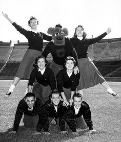 University of Cincinnati Bearcat Cheerleaders, 1957