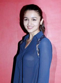 Alia Bhatt Flashing Bra-Free Breast in See-Through Shirt While ShoppingCelebs LifeCelebrity News & Gossip | Movie Reviews, Songs & Videos | Bollywood-Hollywood Actress & Actors Updates |Celebslife.in
