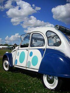Citroën 2CV (peinture comme la Dolly mais pas d'origine)
